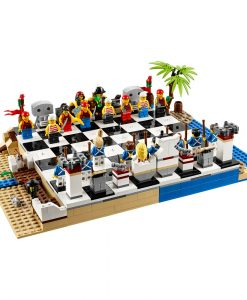 LEGO Pirates Chess Set 40158 Build