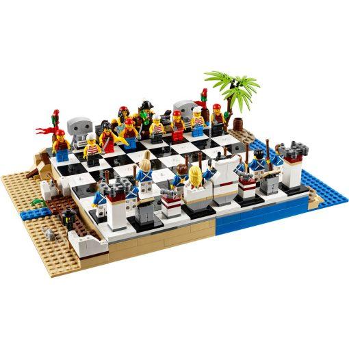 LEGO Pirates Chess Set 40158 Build