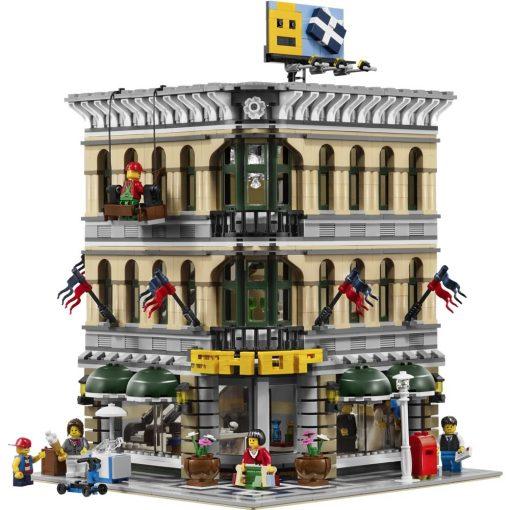 LEGO 10211 Grand Emporium Build
